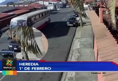 En menos de 30 segundos un hombre se lleva un carro en Heredia