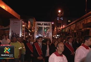 Solemne viacrucis recorre el centro de San José