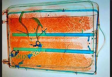 Detenido holandés con metanfetaminas ocultas en doble forro en aeropuerto Juan Santamaría