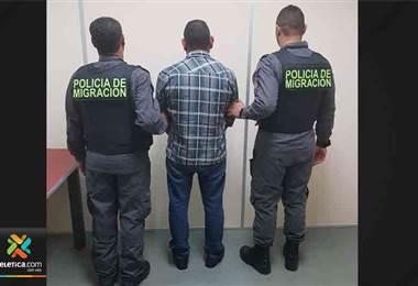 Migración detuvo a cuatro sujetos con causas pendientes