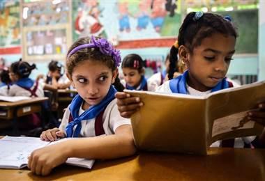 """""""No podemos enseñarle a las niñas del futuro con los libros del pasado"""""""