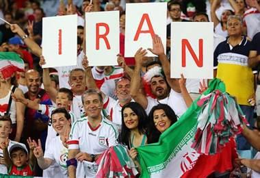 Aficionadas al fútbol en Irán.