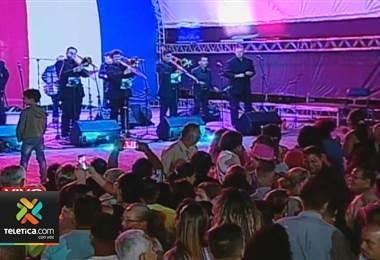 Esta noche se realiza en Alajuela el tradicional Baile de la Polilla