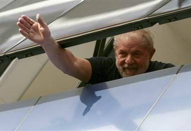 Expresidente de Brasil, Lula, se entregó a la policía