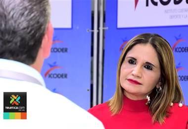 Directora de Icoder asegura no tener culpa en premio millonario otorgado a nadador Mauri