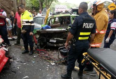 Un muerto y un herido de gravedad tras triple colisión en Puntarenas