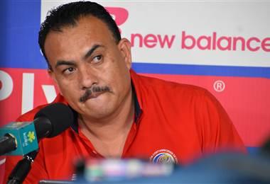 Carlos Batres, asesor guatemalteco de la Comisión de Arbitraje de la Fedefútbol |Julio Naranjo.