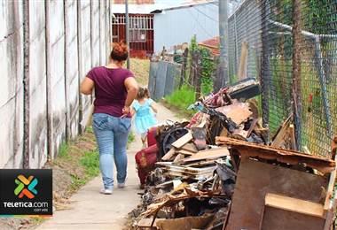 Vecinos de Barrio El Nazareno de Ipís de Goicoechea están cansados de vivir en medio de tanta basura