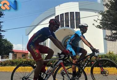 Luis Esteban Murillo y José Pablo Solano son los protagonistas de nuestra Historia Joven en el cantón de Tilarán.  lllEl primero, de 16 años, se involucró en el ciclismo hace apenas 3. Ha sido campeón de ciclismo de ruta en Juegos Nacionales, ganador de vuelta Kolbi en categoría prejuvenil y fue nombrado mejor atleta de Juegos Nacionales en ciclismo de ruta.