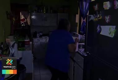 Vecinos de barrio Guachipelines en Santa Bárbara de Heredia dicen ya no soportar la falta de agua