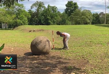 Expertos analizan las esferas precolombinas de Osa