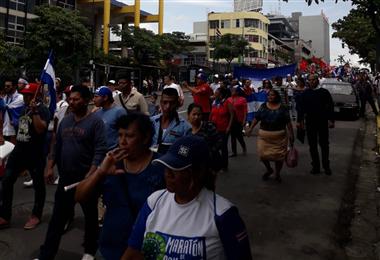 Nicaragüenses tomaron la Avenida Segunda para protestar en contra de Daniel Ortega