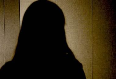 """Me violaron a los 19 años, tuve un hijo y ahora dirijo un """"servicio de abortos"""" secreto en WhatsApp"""