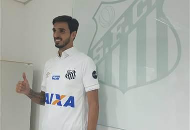 Bryan Ruiz con el dorsal 10 del Santos.|Bryan Ruiz en Twitter