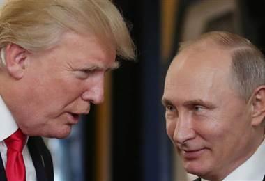 Los presidentes de Estados Unidos, Donald Trump, y de Rusia, Vladimir Putin,