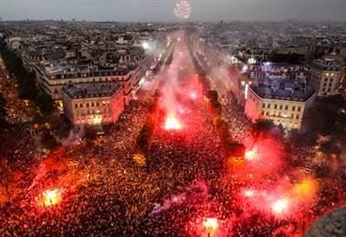 Celebración de los aficionados franceses en París |AFP.