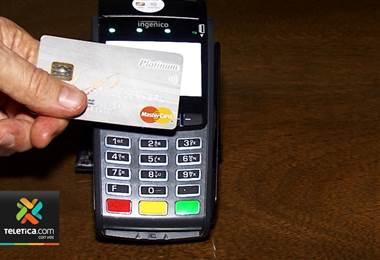 Deuda con tarjetas de crédito se duplicó en últimos 4 años