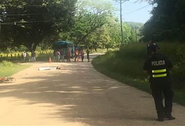 Motociclista muere atropellado por vehículo que se dio a la fuga en Santa Cruz de Guanacaste