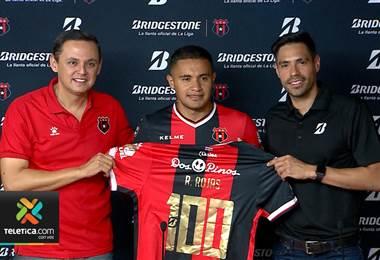 Alajuelense pedirá permiso a Unafut para que Róger Rojas utilice el número 100 en su camiseta