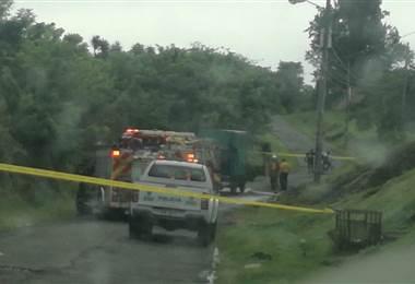 Hombre muere calcinado al incendiarse vehículo que conducía en Heredia