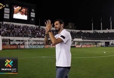 Bryan Ruiz tuvo su primer contacto con la afición del Santos