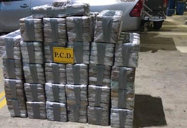 PCD y Guardacostas logran decomisar más de media tonelada de cocaína en el Pacífico Sur