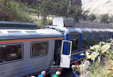 Choque de dos trenes con turistas en la vía a Machu Picchu deja seis heridos