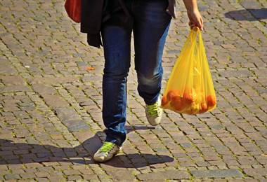Nueva Zelanda prohíbe las bolsas de plástico desechables