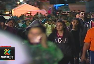 Devotos caminaron tres días desde Esparza a Cartago para ver a La Negrita