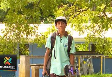 Ramsés Loiza es un líder colegial y comunal que a pesar de la adversidad supo salir adelante