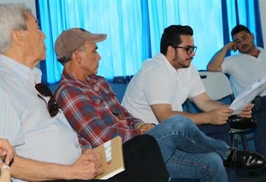 Representante gubernamoentales se reunieron con pescadores de Puntarenas. Presidencia