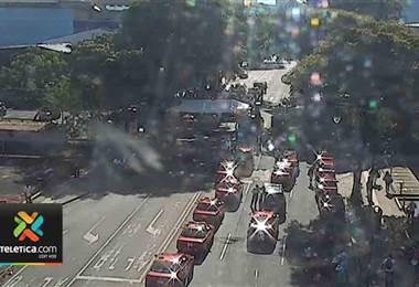 Taxistas se manifietan en Paseo Colón