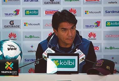 Vladimir Quesada respetará la titularidad del portero Kevin Briceño pese al buen nivel de Aaron Cruz
