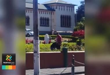 Dos hombres agredieron a un sujeto por un aparente robo en Cartago
