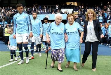 Vera Cohen aficionada de 102 del Manchester City.|ManCity