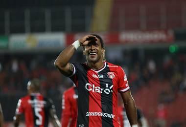 Jonathan McDonald, delantero de Alajuelense.|Prensa LDA