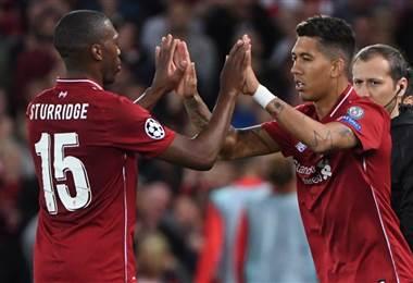 Roberto Firmino y Daniel Sturridge del Liverpool. AFP