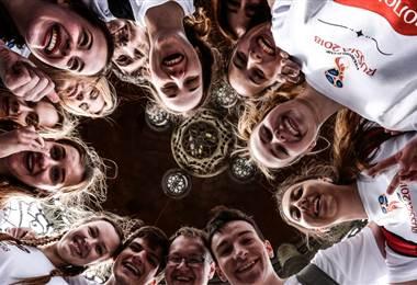 Voluntarios del Mundial de Rusia 2018  FIFA.com