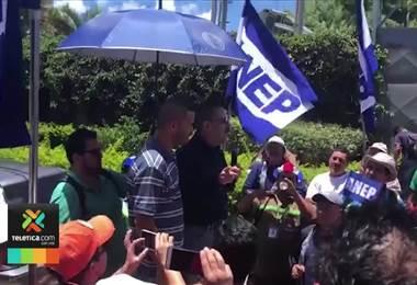 Abogado denunció a Albino Vargas y a otro dirigente sindical por instigar a bloquear calles