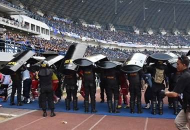 Violencia en el fútbol de Indonesia. AFP