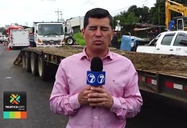Bomberos atiende fuga en poliducto de Recope y encuentra dos fosas llenas de combustible en Alajuela