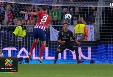 En España vuelve a tomar fuerza el debate en la portería del Real Madrid entre Navas y Courtois