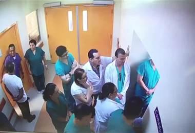 Reunión de huelguistas en salas de cirugía del San Juan de Dios