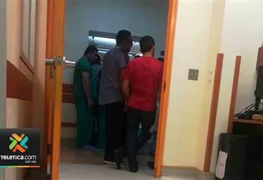 Imágenes muestran el bloqueo de sindicalistas a salas de cirugía del hospital San Juan de Dios