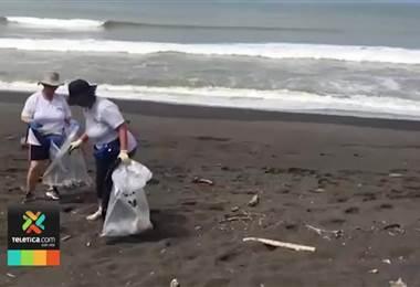 Decenas de voluntarios recogieron más de una tonelada de desechos en playa Guacalillo