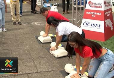Hospital México celebra el Día del Corazón con feria de salud
