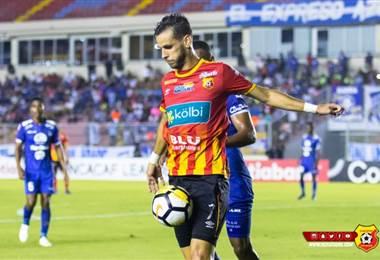El delantero del Herediano, Yendrick Ruiz.