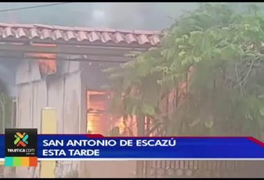 Incendio consumió casa de 120 m2 en San Antonio de Escazú