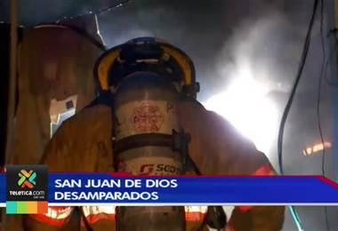Dos heridos tras incendio que consumió tres viviendas en San Juan de Dios de Desamparados