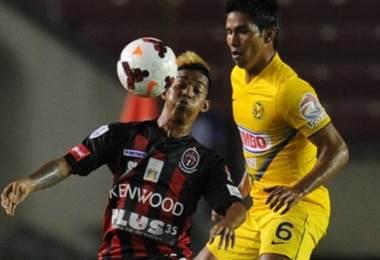 Darwin Pinzón (izq.), exjugador panameño.|AFP